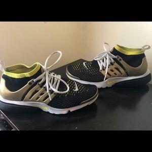 Nike air presto flyknit ultra size 9